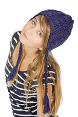 Portrait jeune fille avec bonnet