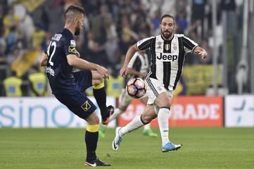 Football Soccer - Juventus v Chievo Verona - Italian Serie A