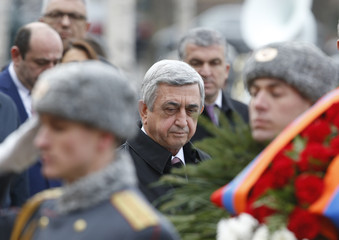 Armenian President Sargsyan attends wreath-laying ceremony at Tomb of Unknown Soldier by Kremlin walls in Moscow