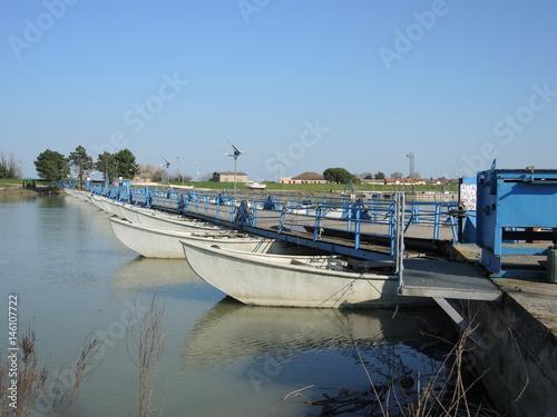 Delta del po ponte di barche imagens e fotos de stock for Progettista di ponti online gratuito