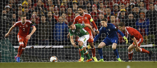 Republic of Ireland's Jonathan Walters in action