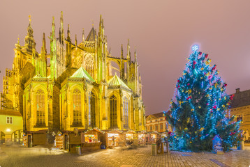 Wall Mural - Saint Vitus Cathedral at christmas time in Prague, Czech Republic.