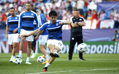 Leicester City's Shinji Okazaki warms up before the game