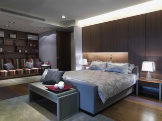 Contemporary Elegant bedroom