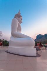 white statue buddha