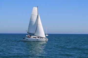 Voilier en méditerranée, France