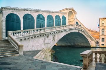 Obraz  Rialto Bridge, Venice, Italy - fototapety do salonu