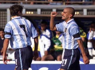 ARGENTINE VERON CELEBRATES GOAL AGAINST BRAZIL DURING FRIENDLY MATCH.