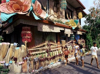 A HOUSE IN SARIAYA TOWN IS DECORATED WITH DIFFERENT KINDS OF FRUITS.