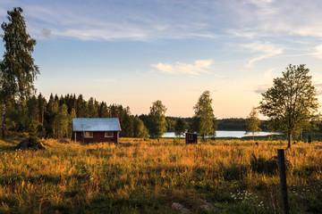 Schwedische Landschaft im Sonnenuntergang