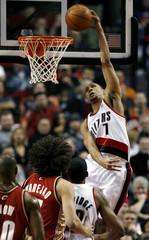 Trail Blazers gurad Roy dunks against Cavaliers in Portland