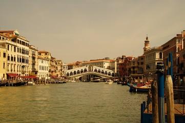 Eindrücke von den Wasserstraßen in Venedig / Italien
