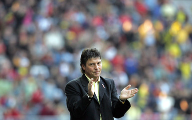 BSC Young Boys' coach Andermatt reacts during a Super League soccer match between BSC Young Boys and Thun in Bern