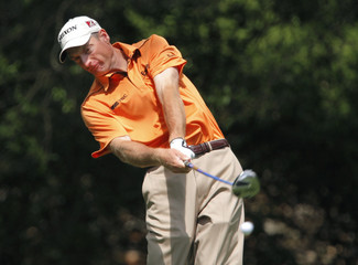 Furyk of U.S. hits tee shot on second hole during third round play at 2009 Masters in Augusta