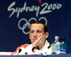 CYCLIST LANCE ARMSTRONG OF THE UNITED STATES ATTENDS SYDNEY PRESS CONFERENCE.