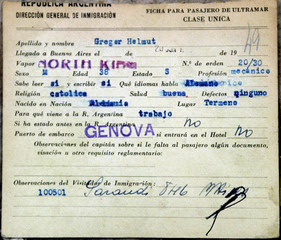 ARGENTINE INMIGRATION DOCUMENT SHOWING THE NAME OF HELMUT GREGER.