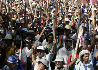 Thousands of Paraguayan farmers demonstrate in downtown Asuncion