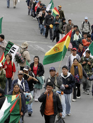Hundreds of indigenous Bolivians march to centre of La Paz