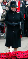 BRITAIN'S QUEEN ELIZABETH LOOKS SOMBRE DURING VISIT TO FIELD OFREMEMBRANCE AT WESTMINSTER ABBEY.
