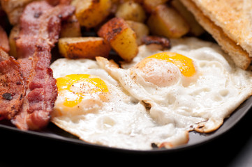 bacon and eggs sunny side up