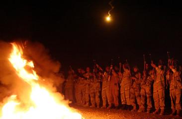 Iraqi soldiers attend training class in Basra.