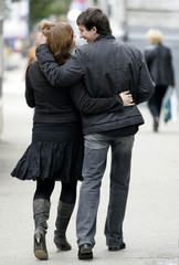 A couple walks in the centre of Ulyanovsk