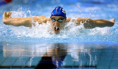 PARRY TAKES AIR ON HIS WAY TO WINNING MEN'S 200 METRE BUTTERFLY FINAL DURING THE BRITISH SWIMMING ...