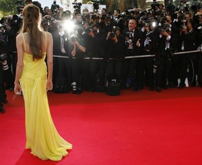 Angelina Jolie arrives at the world premiere of 'Ocean's 13' at the Cannes Film Festival