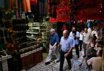Buffett and Wertheimer visit Old City in Jerusalem