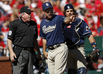 San Diego Padres manager Bochy and catcher Piazza argue a call with home plate umpire in St Louis