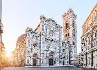 Spoed Fotobehang Florence Florence Cathedral Santa Maria del Fiore sunrise view, Tuscany, Italy