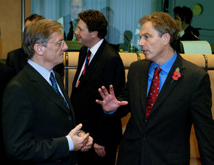 AUSTRIAN CHANCELLOR SCHUESSEL TALKS WITH BRITISH PRIME MINISTER BLAIRAT SUMMIT IN BRUSSELS.