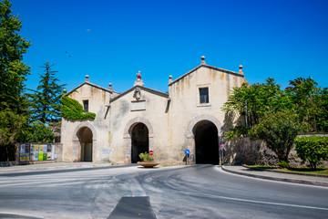 Entrée du village de Orbetello en Toscane