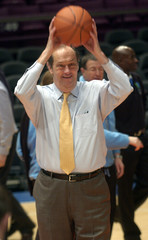 IOC reviews basketball venue with Bill Bradley for 2012 Summer Olympics in New York.