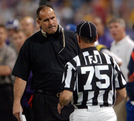 Vikings head coach Tice talks questions official's call with field judje in game against Packers in Minneapolis
