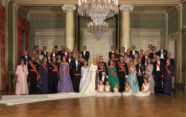 The wedding party of Norway's Crown Prince Haakon and his newlywed wife Crown Princess Mette-Marit (..