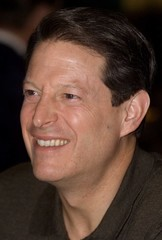 Democratic presidential candidate U.S. Vice President Al Gore smiles as he has lunch with patrons of..
