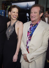 "ACTORS HILARY SWANK AND ROBIN WILLIAMS POSES AT LOS ANGELES PREMIERE OF""INSOMNIA""."