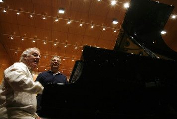 Maestro Mehta and pianist Barenboim interact during rehearsals with Israel Philharmonic Orchestra in Mumbai