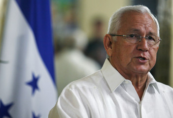Honduras interim president Roberto Micheletti delivers a speech at the presidential house in Tegucigalpa
