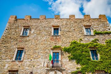Le château de Manciano en Toscane