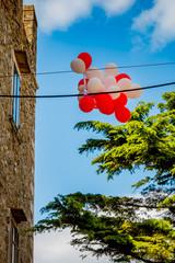Ballons dans les rues de Manciano en Toscane