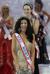 Mrs.World 2007 Tucker of America reacts as she is crowned in Sochi