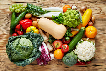 Wall Mural - Fresh vegetables on table