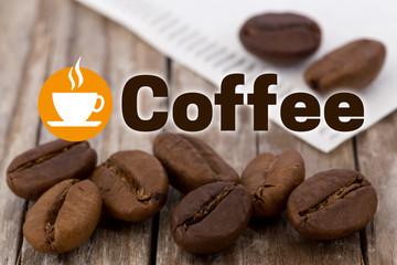 Coffee Konzept Hintergrund mit Kaffeebohnen und Holz