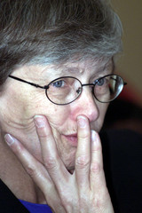 Excutive Director of United Nations Children's Fund (UNICEF) Carol Bellamy, listens to questions fro..