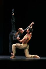 """Carlos Acosta and Yolanda Correa rehearse the ballet """"Carlos Acosta with guest artists from Ballet Nacional de Cuba"""" in London"""