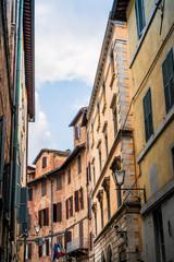 Dans les rues de Sienne en Toscane