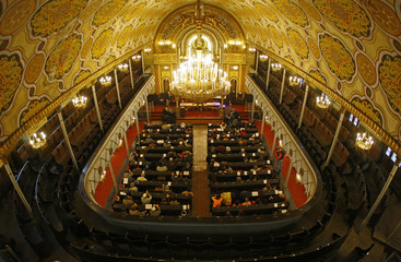 General view of Bucharest's Great Synagogue during a religious service to commemorate the victims of the 1941 pogrom