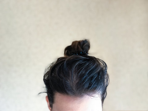 Female dirty greasy hair